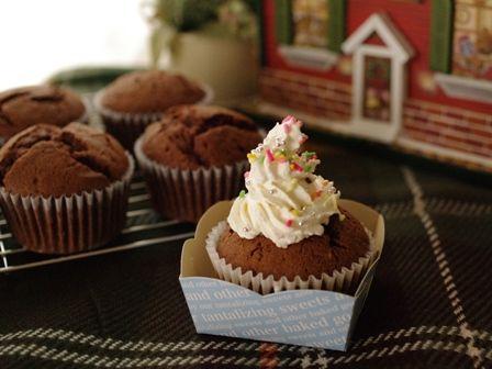 デコレーションの土台に簡単チョコレートカップケーキ