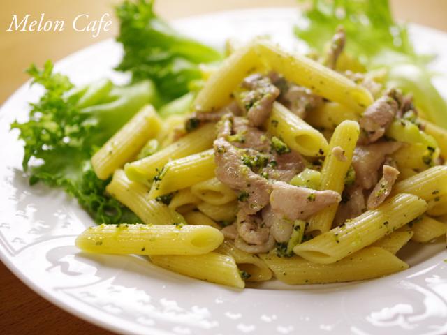 簡単豚肉とブロッコリーのペンネパスタ01