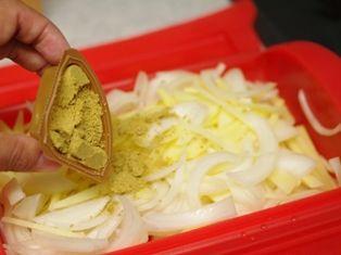 ハウスとルクエの簡単カレーマヨサラダ2