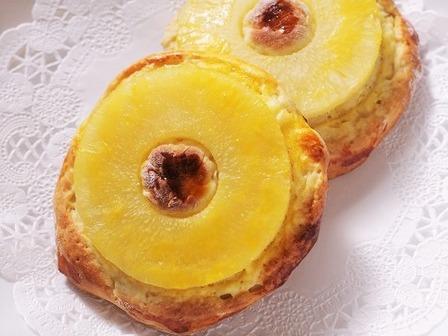 夏のホットケーキミックスパンバナナとパイナップル01 (2)