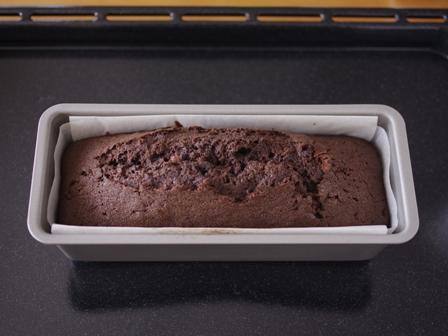 チョコレートケーキと食べられるドライフラワー04