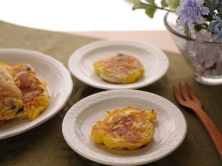 ある材料で簡単ミニケーキ(卵なし・マンゴー缶使用)