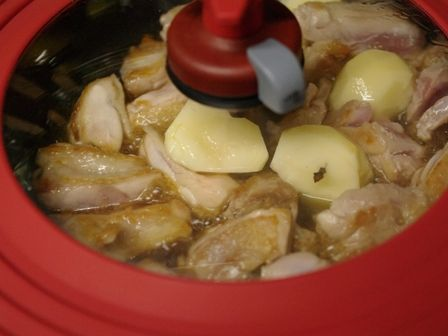 ほこほこ和風とり芋煮のサワークリーム添え03