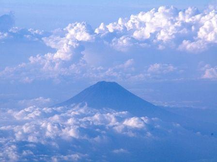 飛行機からの富士山