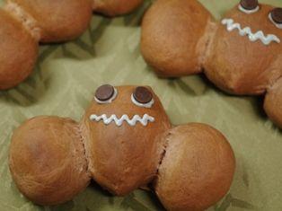 コウモリのチョコレートパン☆ハロウィンの朝にb
