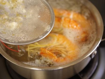 有頭えびとクリームチーズひらたけの味噌汁02