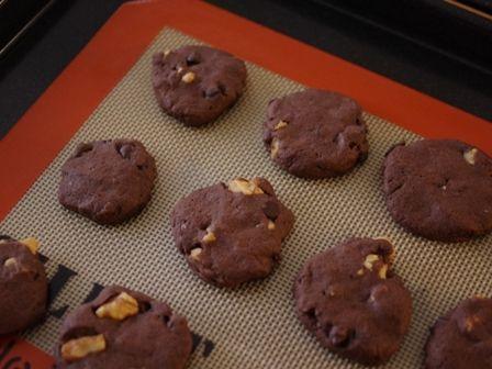 クルミとチョコチップの香ばしクッキーココア味05