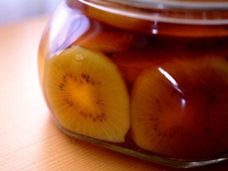 赤いキウイとりんごのフルブラ(フル-ツブランデー)06