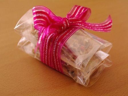ピンクペパーが決め手のホワイトチョコの簡単ざくざくシリアルバー00