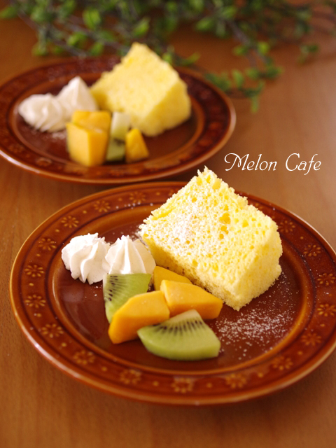 レンジで簡単ホットケーキミックスの優しいシフォンケーキ