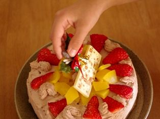 お兄ちゃん作クリスマスケーキ2012f