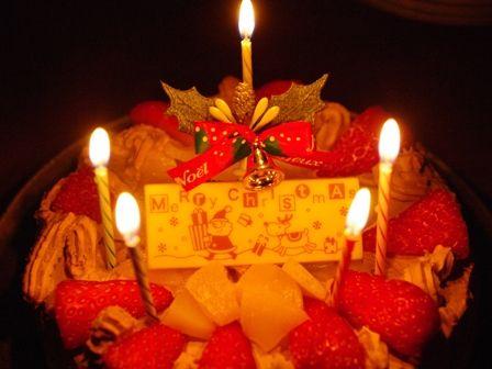 お兄ちゃん作クリスマスケーキ2012a