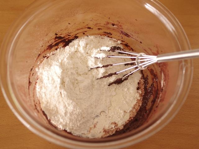 ホットケーキミックスで簡単ココアカップケーキ2種03