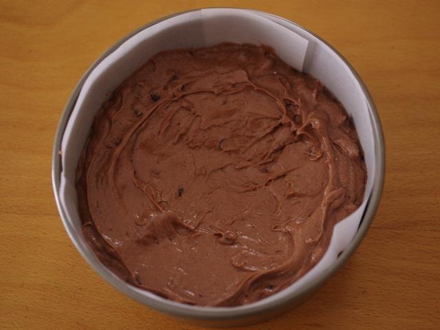 簡単おいしい誕生日のチョコチップ入りココアケーキ07