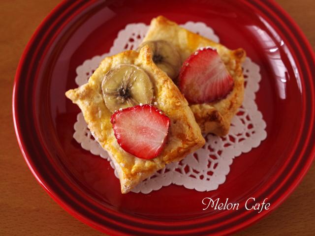 ホットケーキミックスで簡単デニッシュパンいちごとバナナ