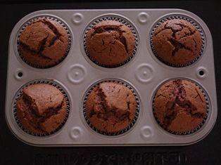 デコレーションの土台に簡単チョコレートカップケーキ06