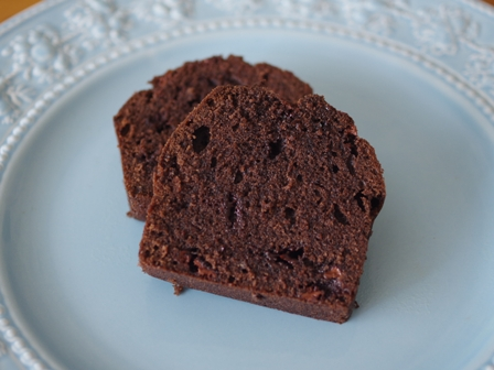チョコレートケーキと食べられるドライフラワー06