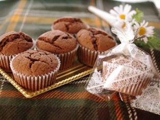 デコレーションの土台に簡単チョコレートカップケーキ00