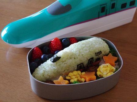 東北新幹線E5系はやぶさのお弁当