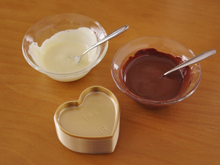 マーブル模様の板チョコレートハート型01
