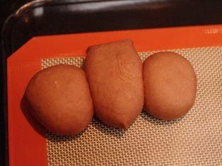コウモリのチョコレートパン☆ハロウィンの朝に