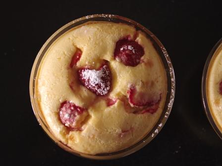 いちごたっぷりクラフティ風チーズケーキ06