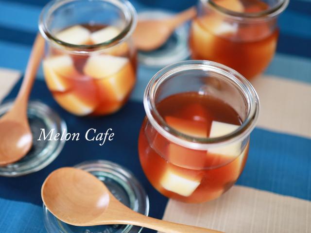 ゼラチンで簡単、紅茶ミルクゼリー