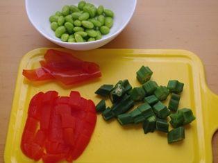 パンとサーモンの野菜たっぷりサラダ05