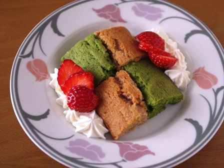 簡単パウンド生地でひなまつりの菱餅色ケーキ07