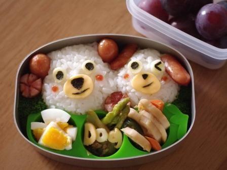 白い犬のお弁当