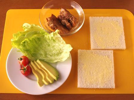 照り焼きチキンのサンドシナイッチ02