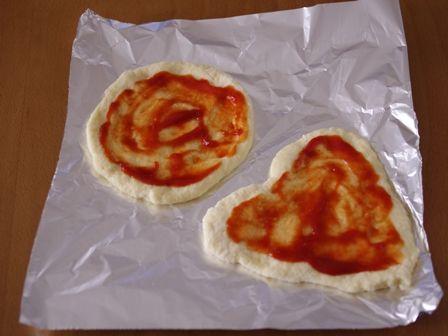 ホットケーキミックスで作る簡単ピザまいたけとソーセージの朝食ピザ04