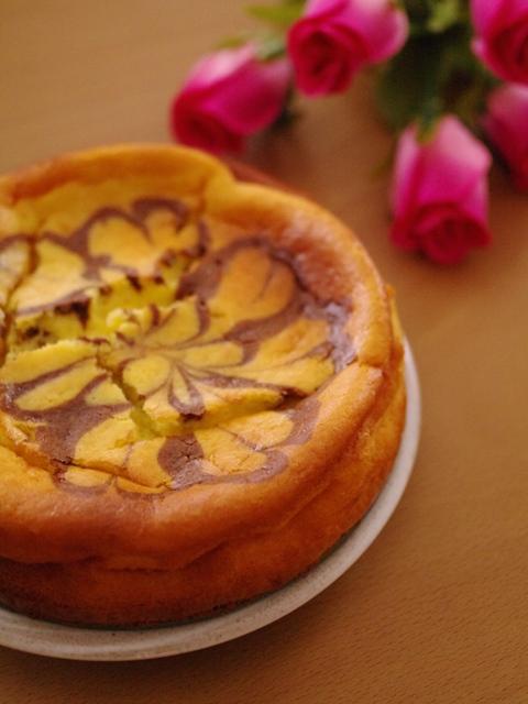簡単ホットケーキミックスでマーブル模様の濃厚チーズケーキ