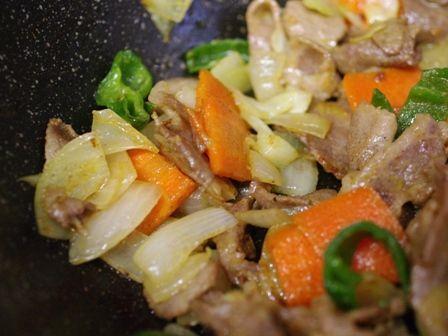 簡単豚肉のカレー炒めもぐもぐしっかりごはん01