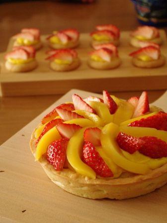 イチゴとマンゴーのフルーツタルト