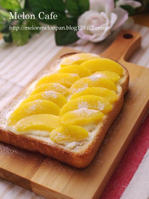 桃缶と塩麹でとろ甘デザートトースト