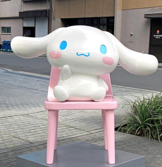 Taito_Tokyo_Cinnamon_Statue_1