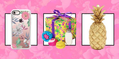 gallery-1480361857-sev-112816-mom-giftguide