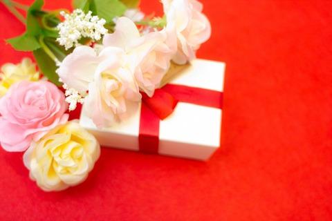 結婚式準備におすすめ!百貨店の株主優待まとめ
