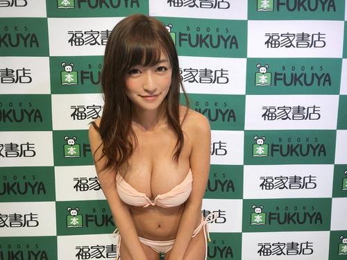 ☆HOSHINOの自撮り巨乳画像 (5)