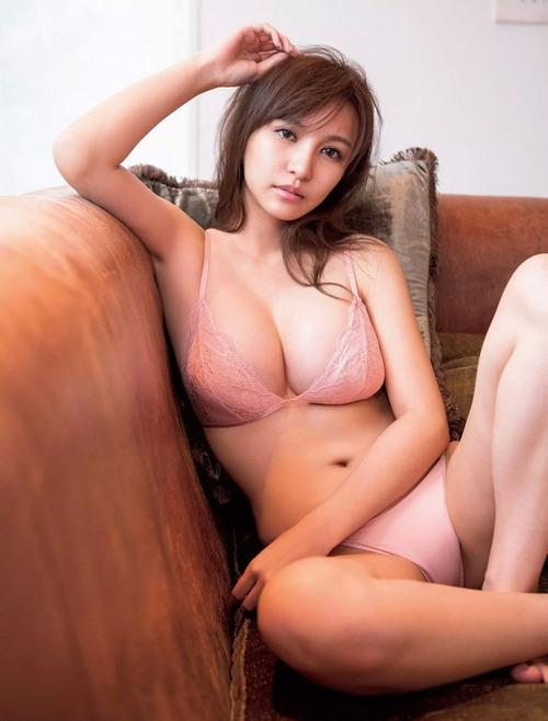 白倉あや巨乳画像 (2)