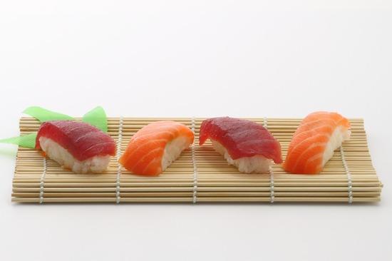 sushi-354629_960_720
