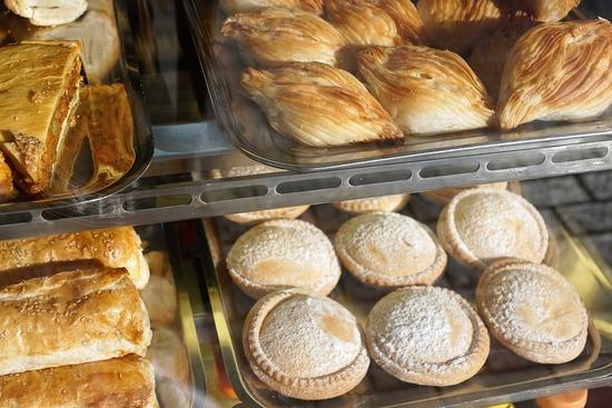 pastries-1988125_960_720