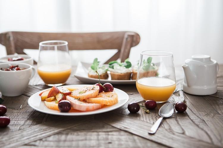 堀江貴文さん「好きなもん食べて好きな時間に起きて、体動かしまくって寝るのが一番健康的」