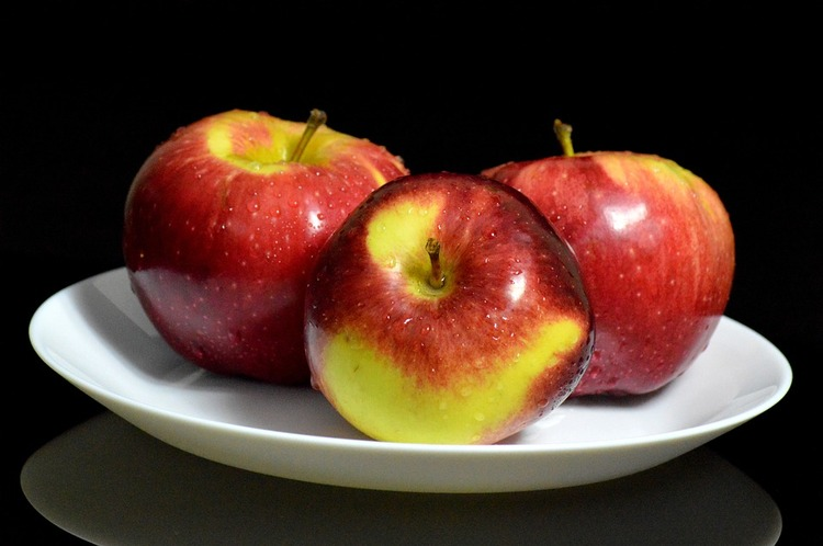 apples-1181882_960_720