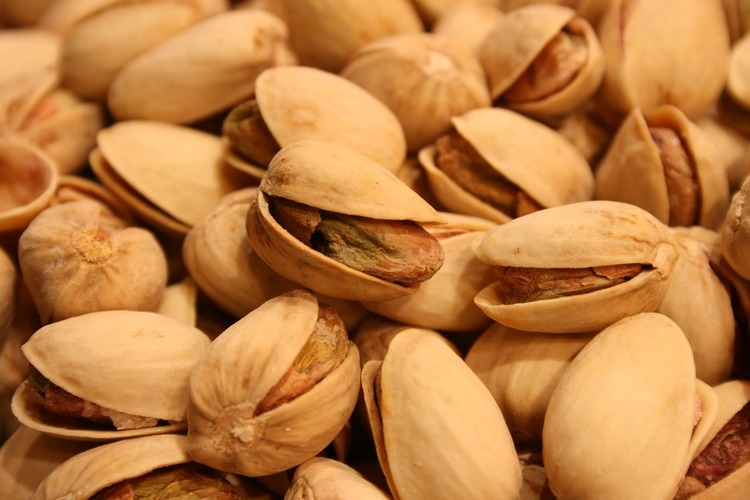 pistachios-656086_960_720