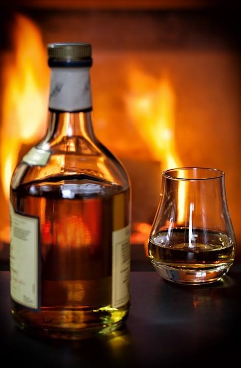 whisky-1872379_960_720