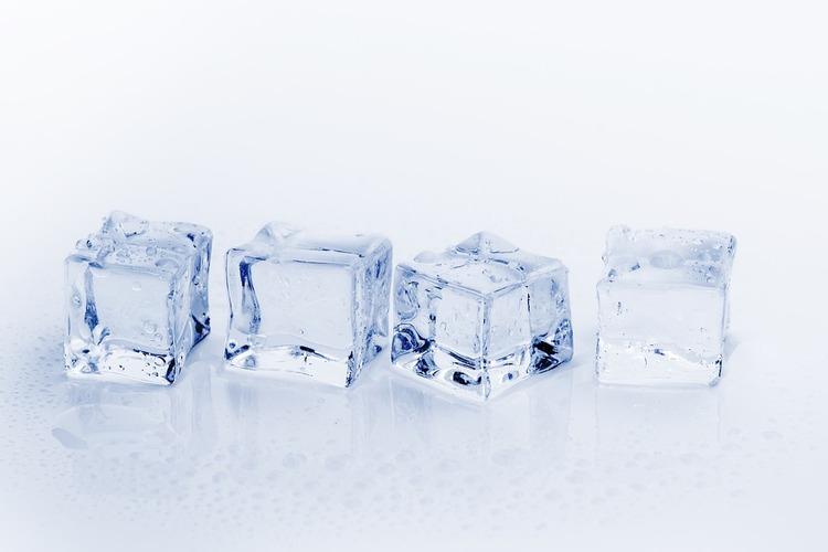 ice-cubes-3506781_960_720