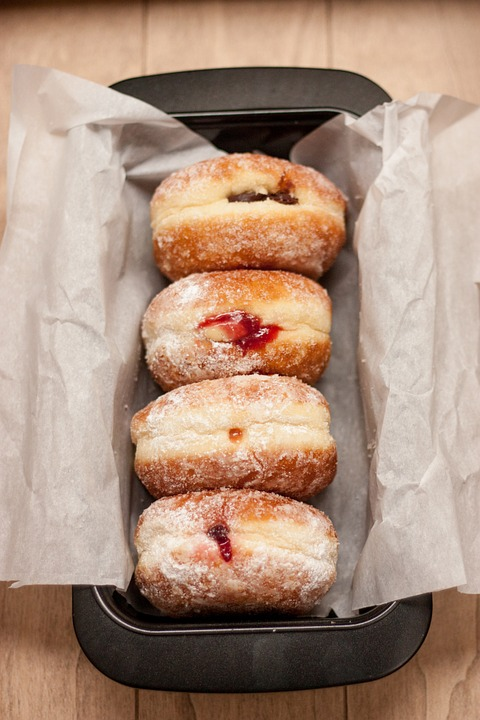 donuts-926642_960_720