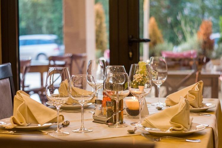 restaurant-449952_960_720